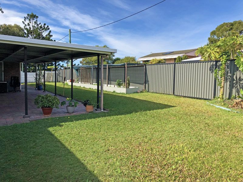 39 Ashbourne Terrace, Biggera Waters QLD 4216, Image 1