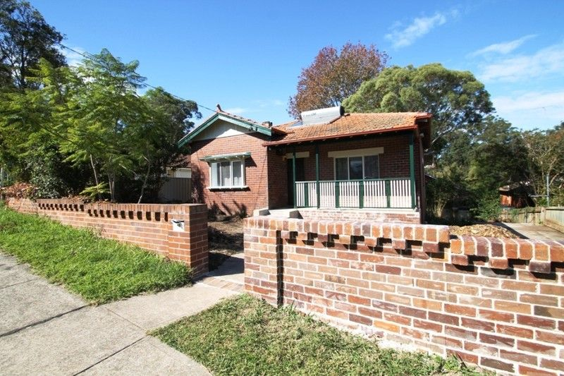 19 Stratford Avenue, Denistone NSW 2114, Image 2