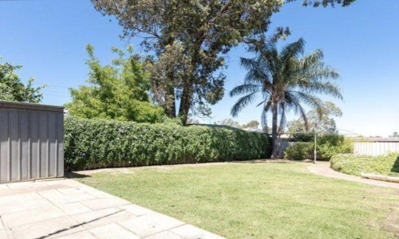 19 Christowe Drive, Swan View WA 6056, Image 1