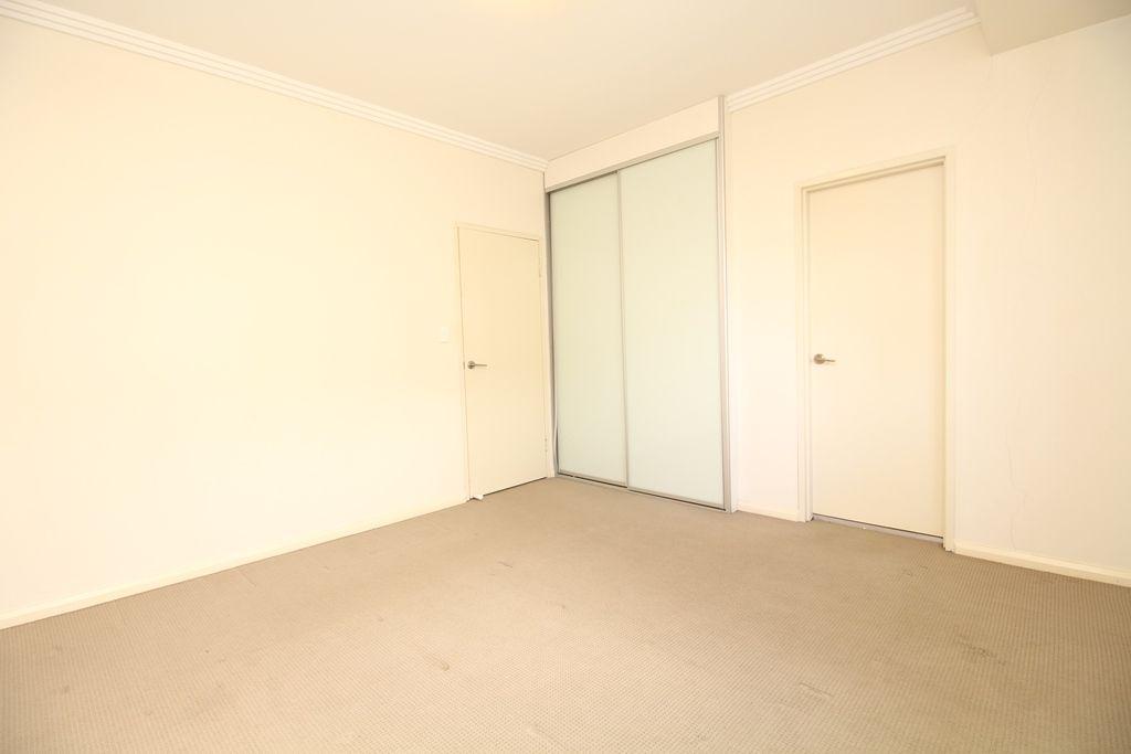8/5 Pitt Street, Parramatta NSW 2150, Image 2