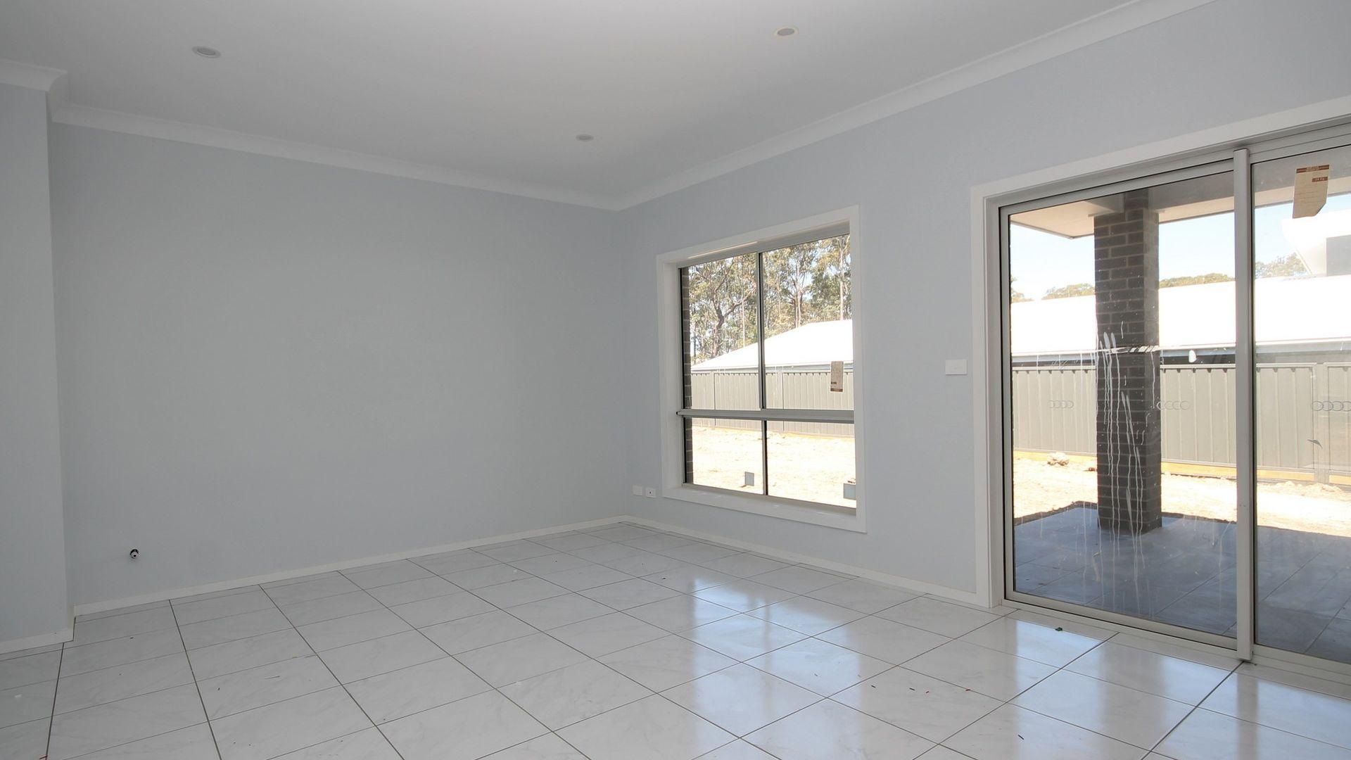 2/19 Nadine Street, Sanctuary Point NSW 2540, Image 2