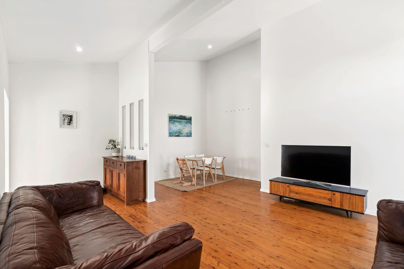 3 Patrick Crescent, Saratoga NSW 2251, Image 2