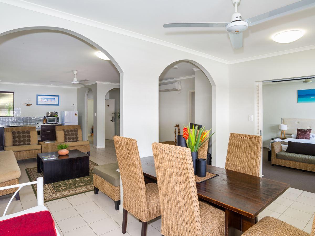 6/81-85 Cedar Road, Palm Cove QLD 4879, Image 1