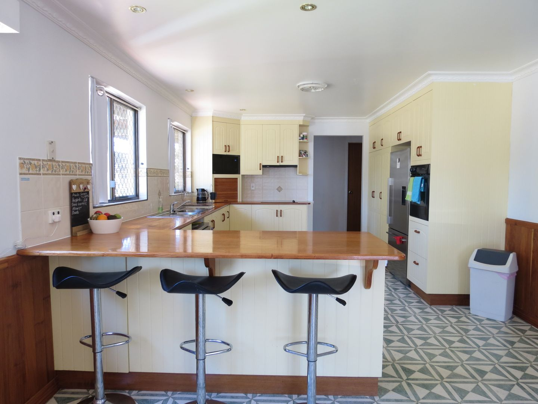 8 Martin Place, Emerald QLD 4720, Image 2