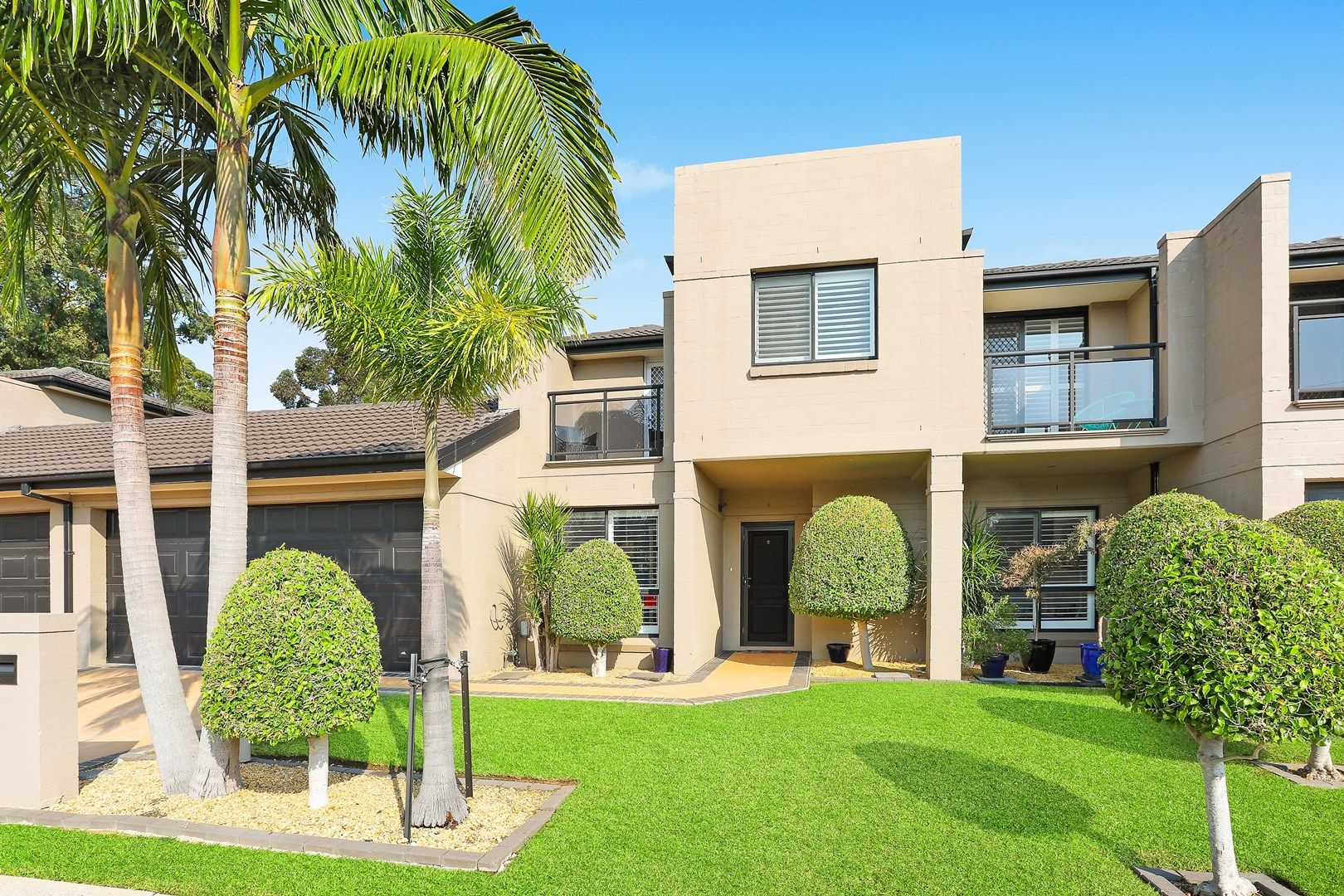 2/21 Penrose Avenue, East Hills NSW 2213, Image 0