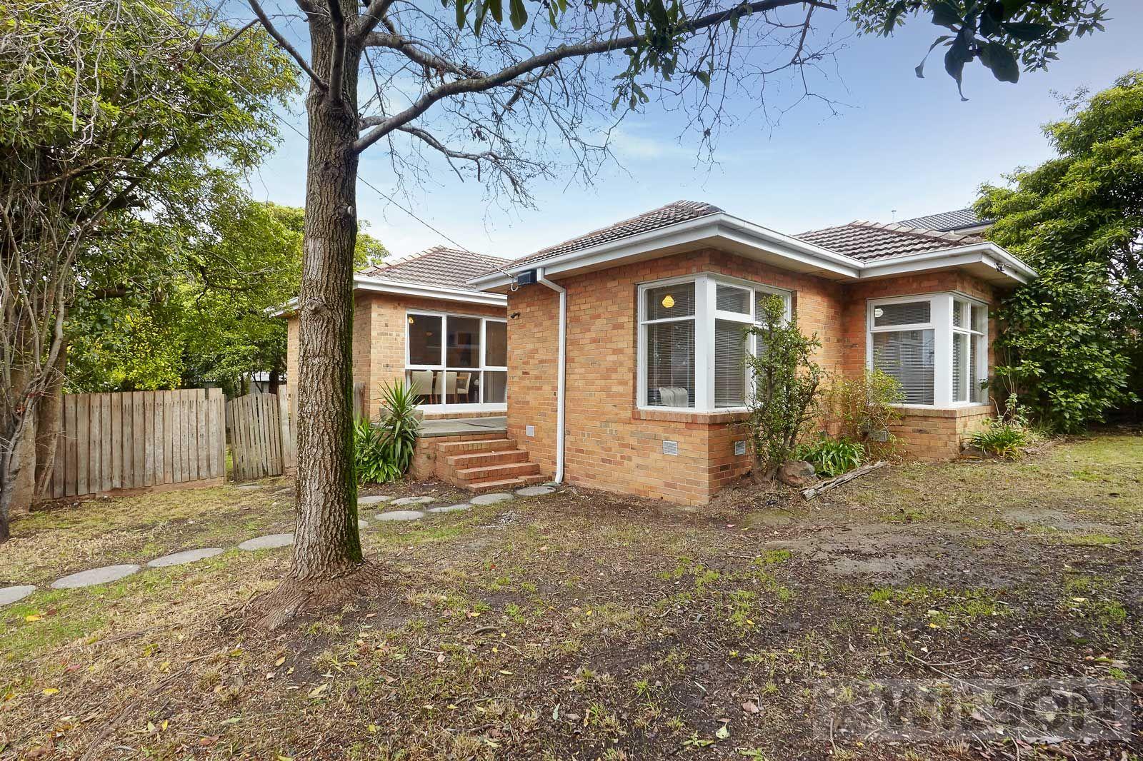 6 Lincoln Avenue, Glen Waverley VIC 3150, Image 2