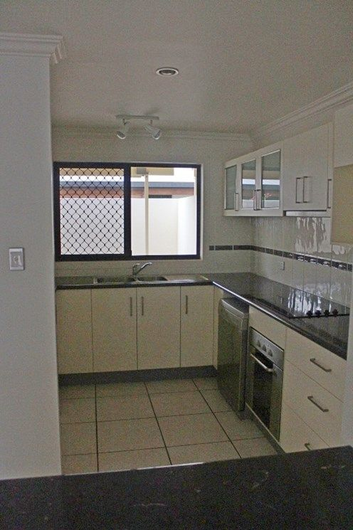 Unit 1/16 Moore Lane, Bundaberg West QLD 4670, Image 2