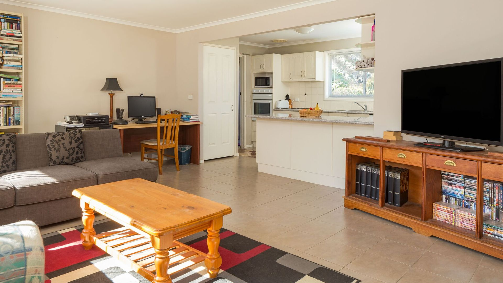 17 Cook Avenue, Surf Beach NSW 2536, Image 1