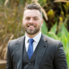 Aaron Pendleton, Sales Associate