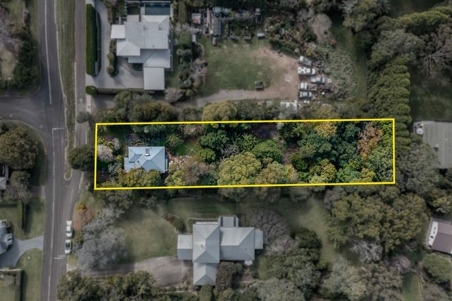 Picture of 4 Curzon Street, MOUNT LOFTY QLD 4350