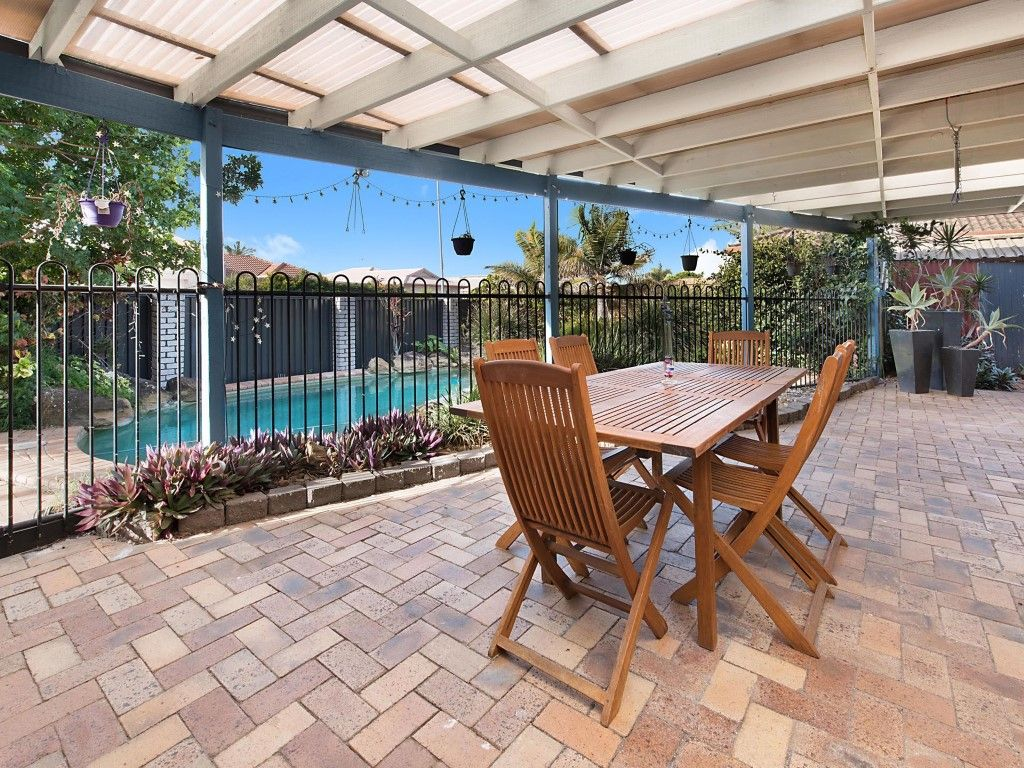 52 Maryann Street, Golden Beach QLD 4551, Image 2