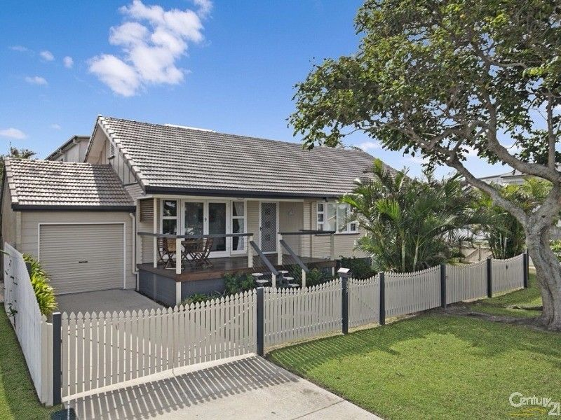 355 Scarborough Road, Scarborough QLD 4020, Image 2