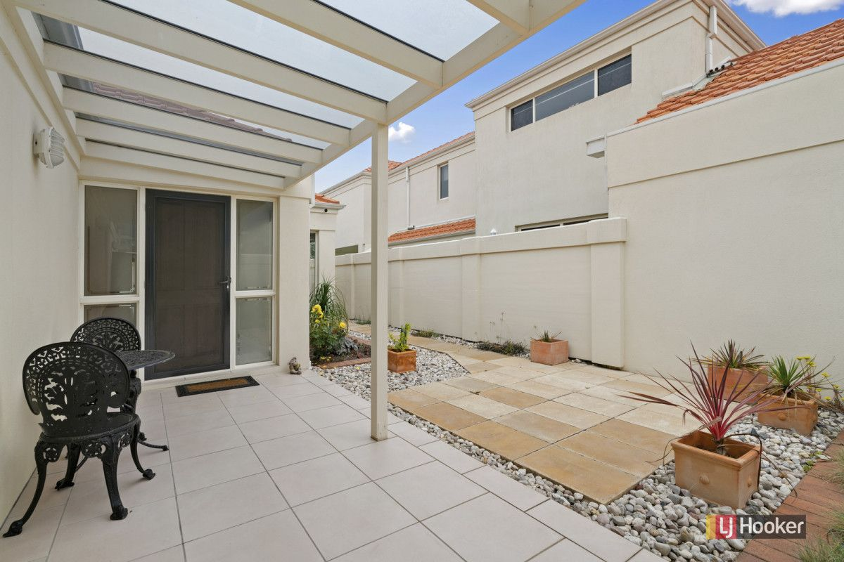 2/122 Golf Links Road, Lakes Entrance VIC 3909, Image 1
