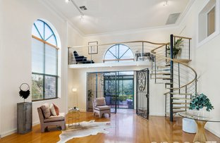 Picture of 4/8 Johnston Street, Peppermint Grove WA 6011