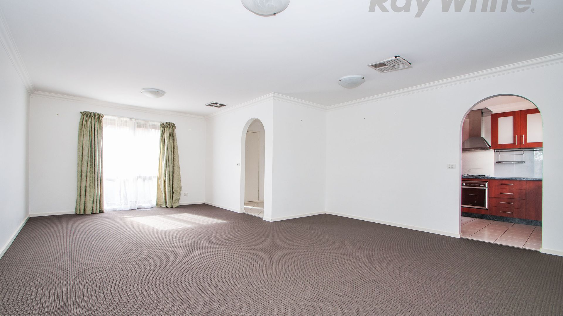 34 AZAROW CIRCUIT, Croydon South VIC 3136, Image 2