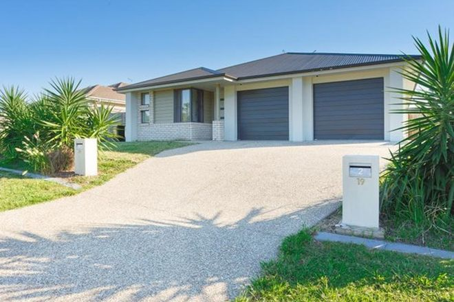 Picture of 1/19 Lachlan Street, GLENEAGLE QLD 4285