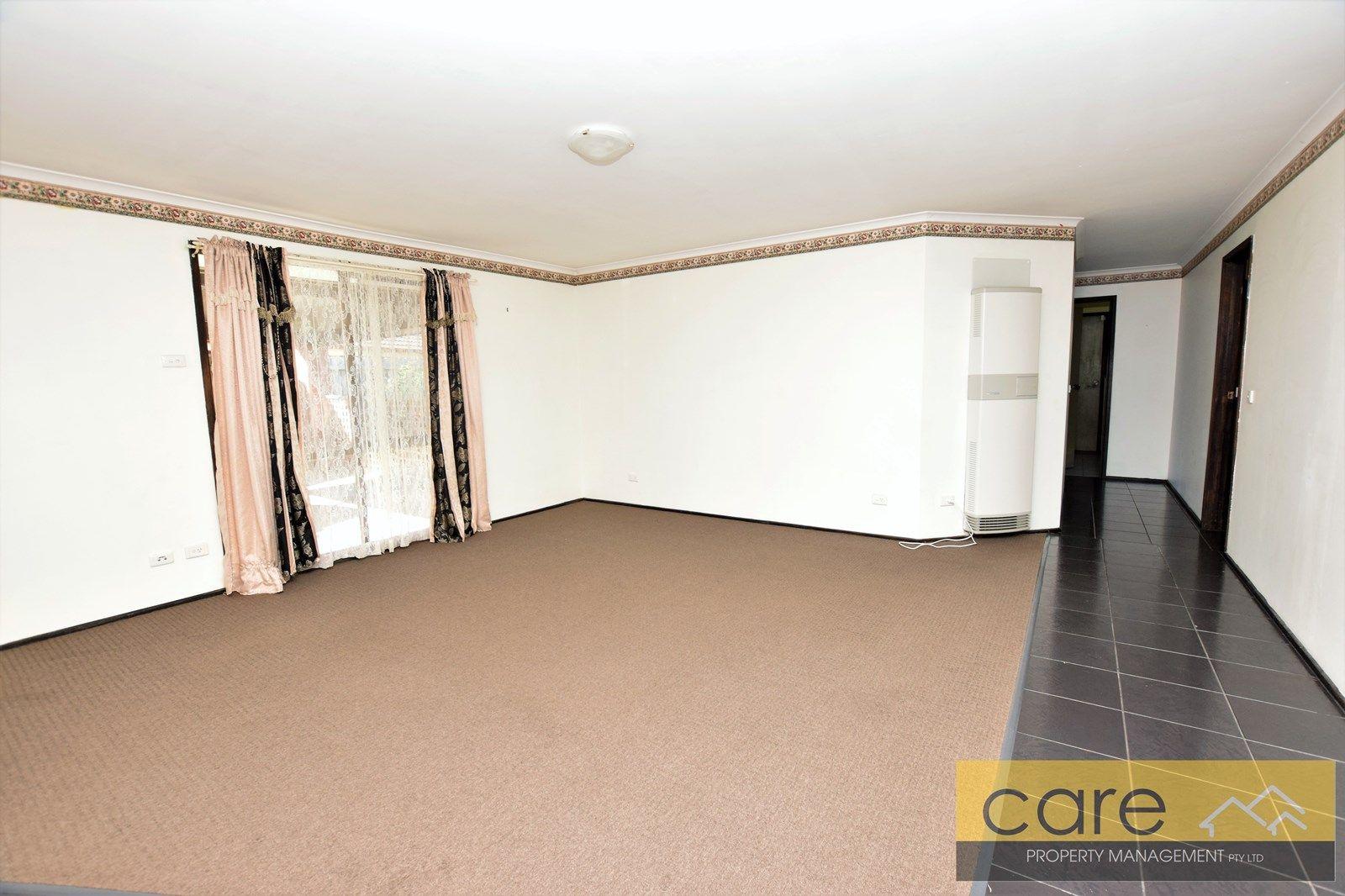 4 Linda Court, Hampton Park VIC 3976, Image 2