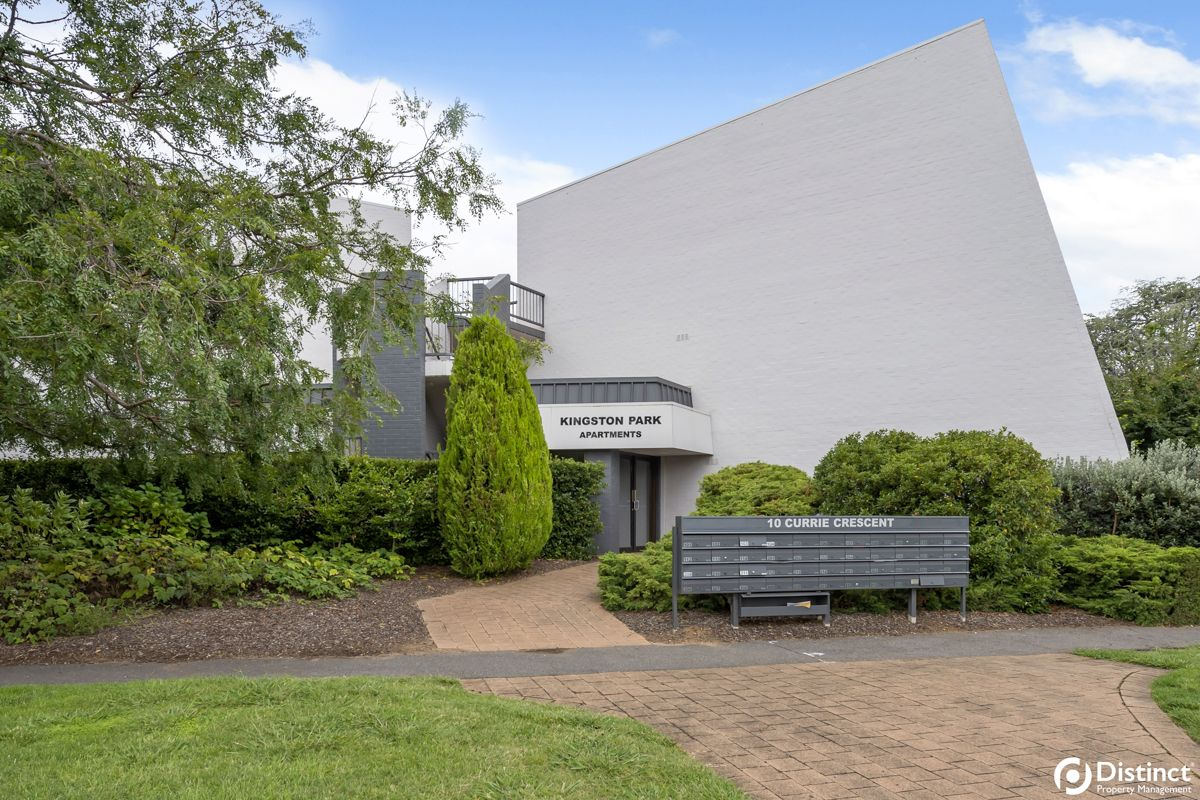 2 bedrooms Apartment / Unit / Flat in 106/10 Currie Crescent GRIFFITH ACT, 2603