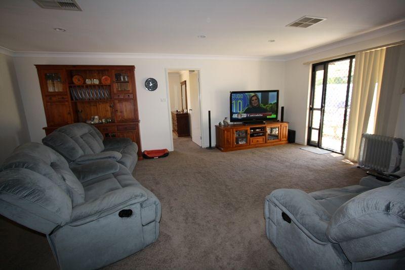 6 Belah Crescent, Cobar NSW 2835, Image 1