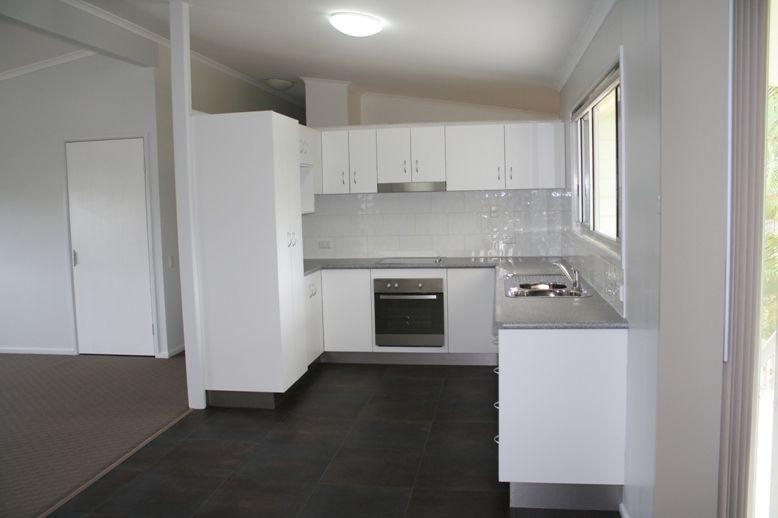 11 Chapple Court, Boyne Island QLD 4680, Image 2