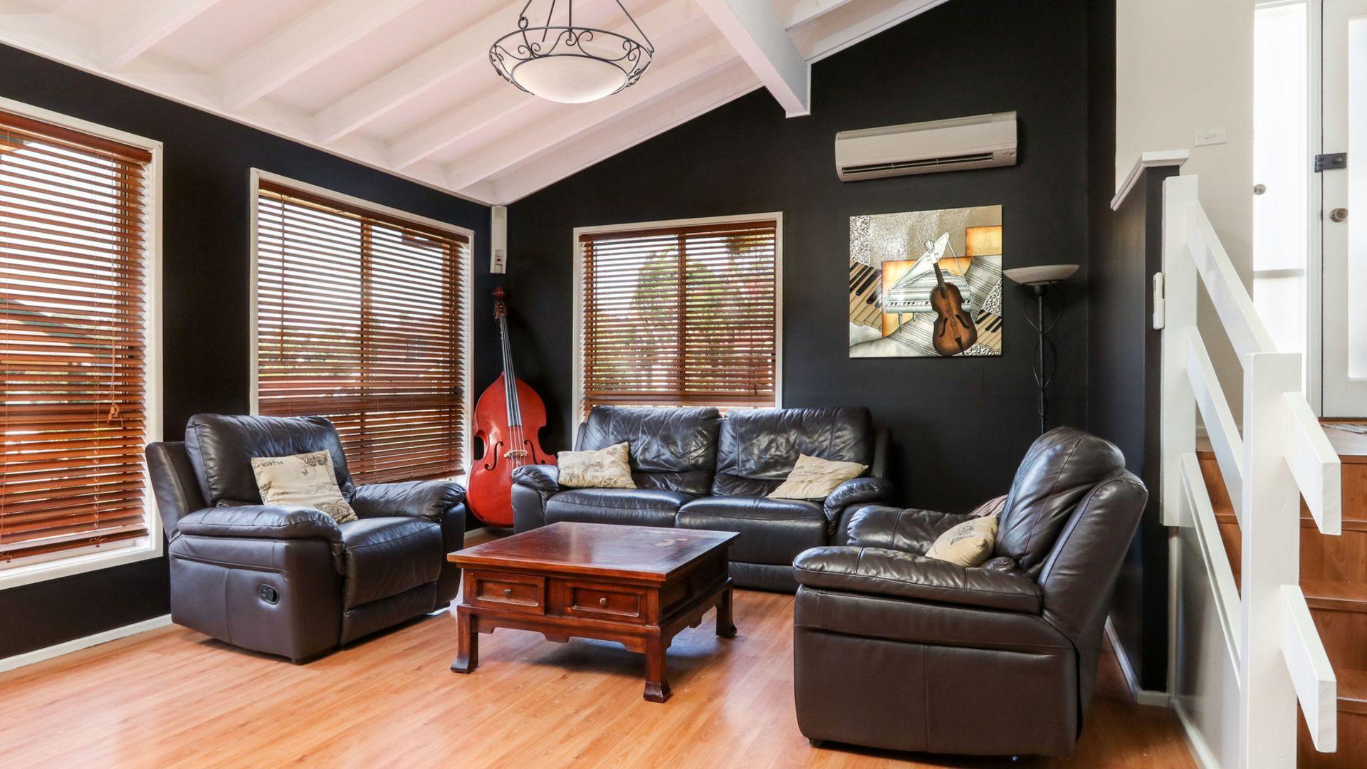 15 Murrogun Crescent, Cordeaux Heights NSW 2526, Image 1