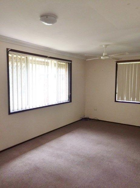 12 Scullin Place, Berkeley Vale NSW 2261, Image 2
