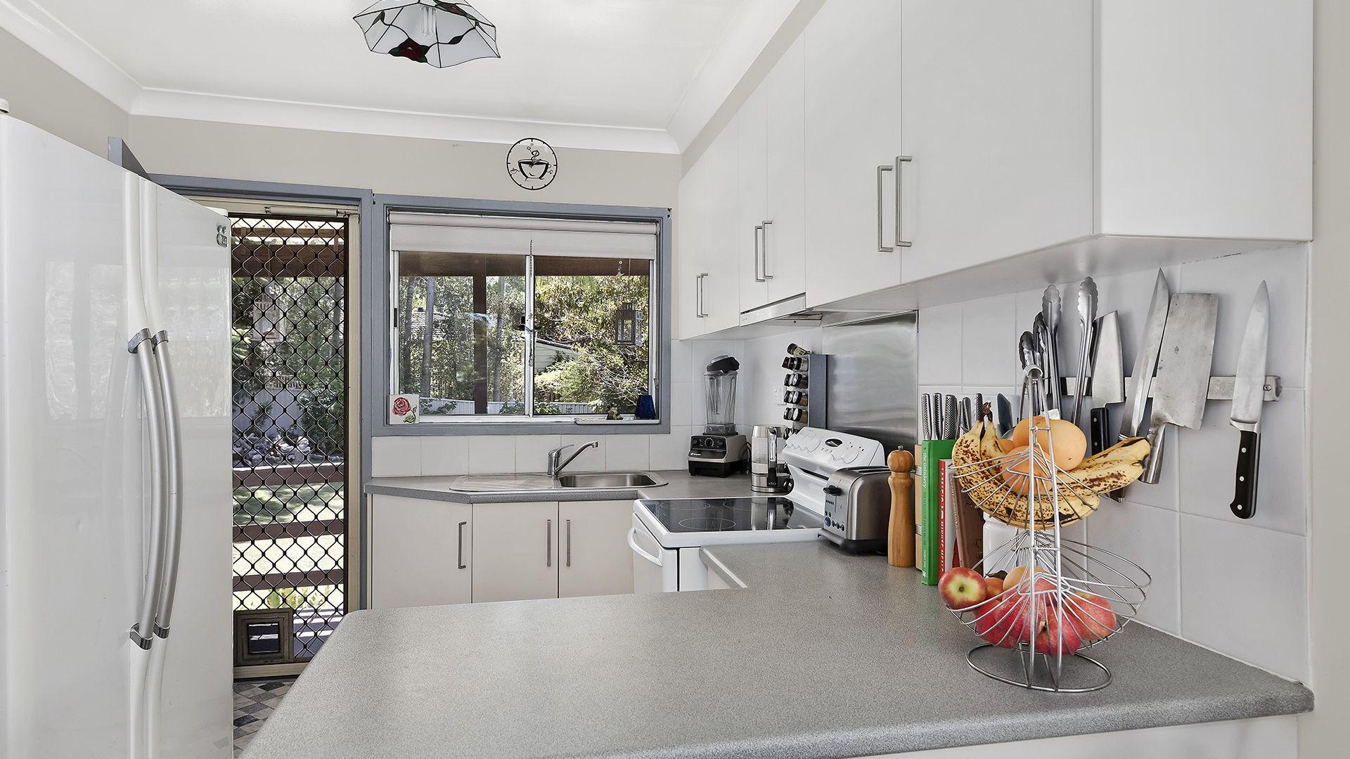 11 Pindarri Ave, Berkeley Vale NSW 2261, Image 1