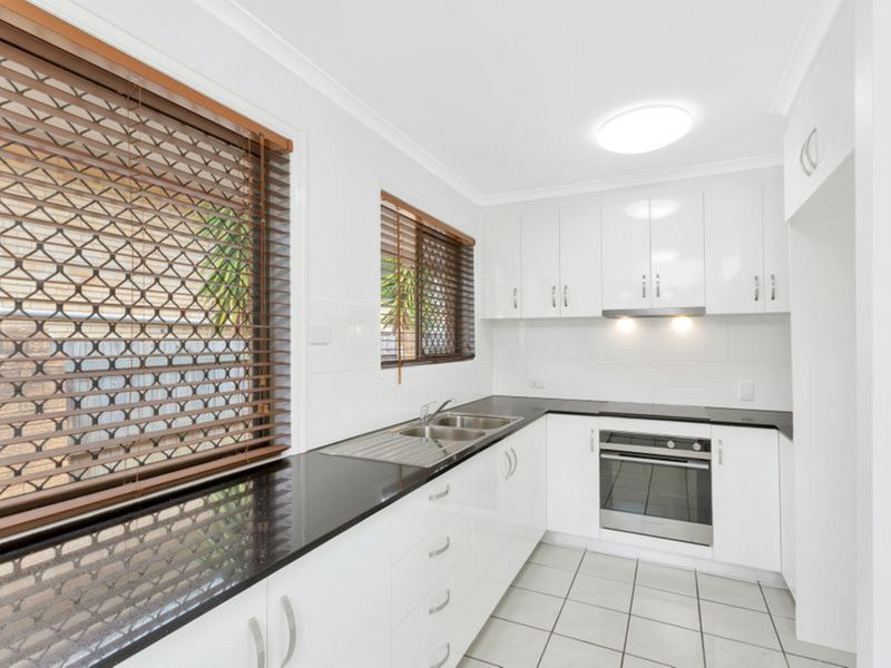 39 Firthshire Street, Mansfield QLD 4122, Image 1