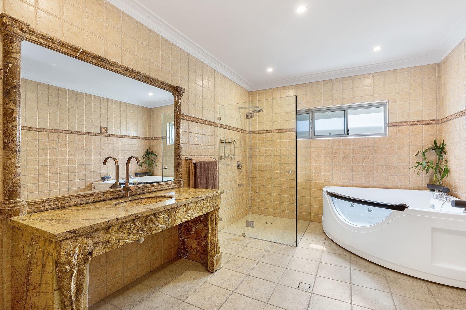 23 Lascelles avenue, Greenacre NSW 2190, Image 2