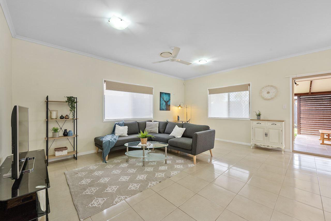 8 Wilga Street, North Lakes QLD 4509, Image 2