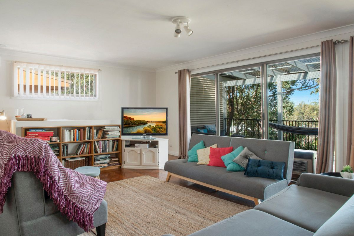 10 Parkview Parade, Mollymook NSW 2539, Image 2