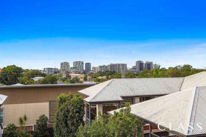 Picture of 2/25 Riddell St, BULIMBA QLD 4171