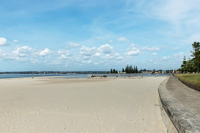 Picture of Russell Avenue, DOLLS POINT NSW 2219