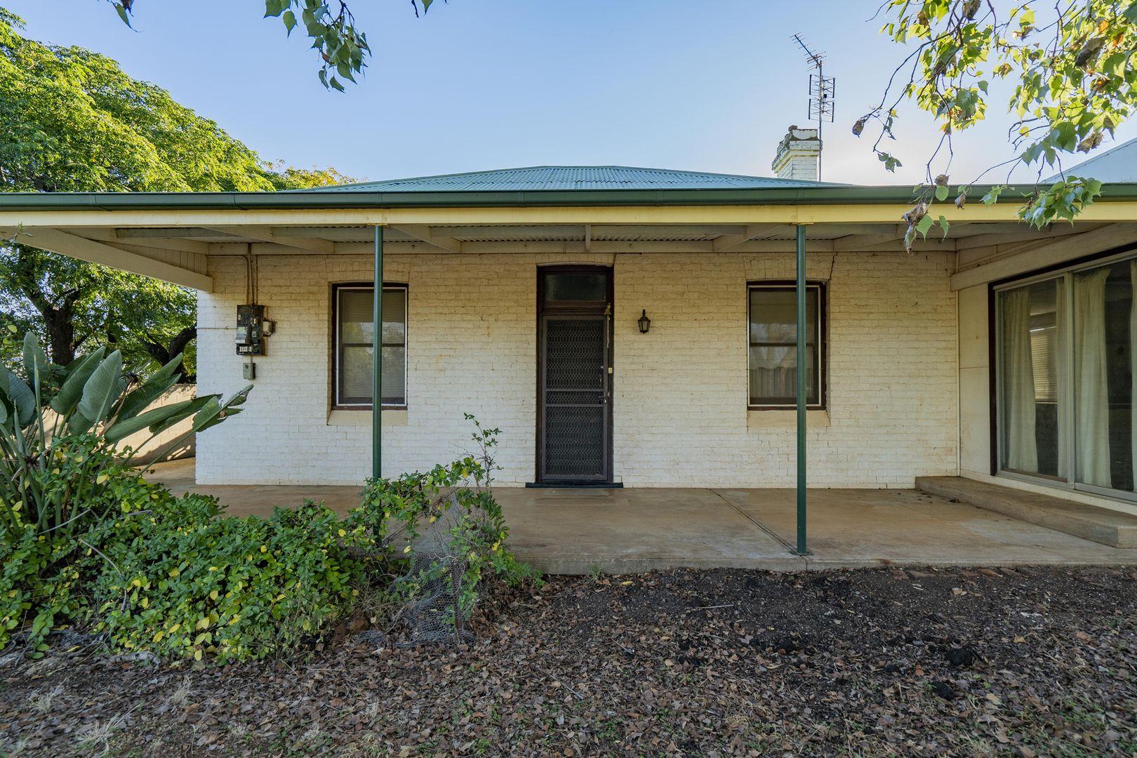 28 McGregor Street, Temora NSW 2666, Image 1