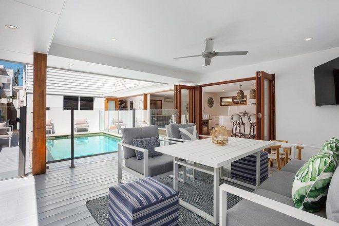 Picture of 22 Petrel Avenue, MERMAID BEACH QLD 4218