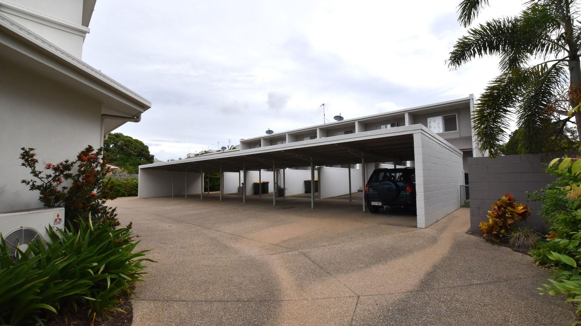 15 Glenlyon Street, Gladstone Central QLD 4680, Image 2