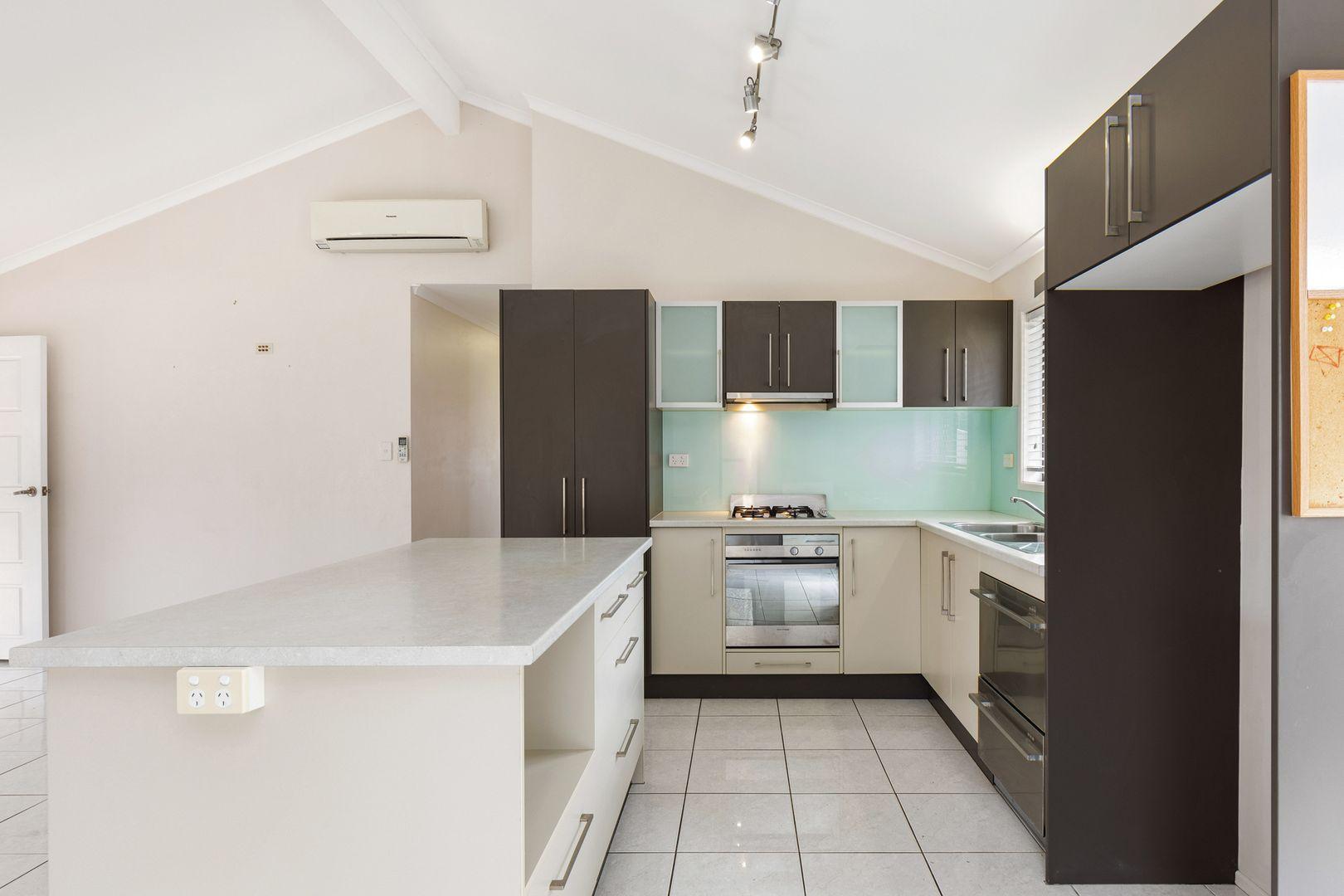 24 Frinton Street, Wishart QLD 4122, Image 1
