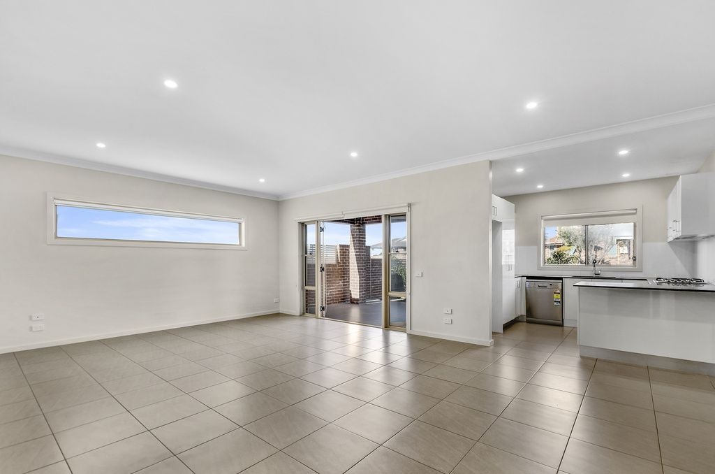 3/14-16 Campbell Street, Woonona NSW 2517, Image 1