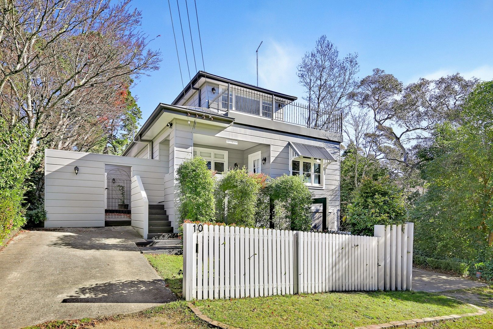 10 Gardiner Crescent, Blackheath NSW 2785, Image 2