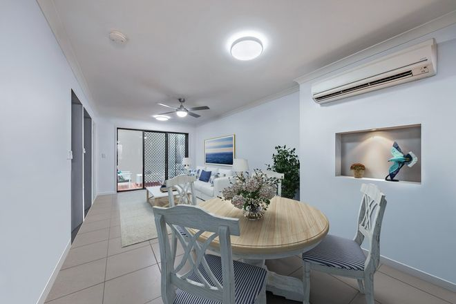 Picture of 2/16 Schnapper Street, CANNONVALE QLD 4802