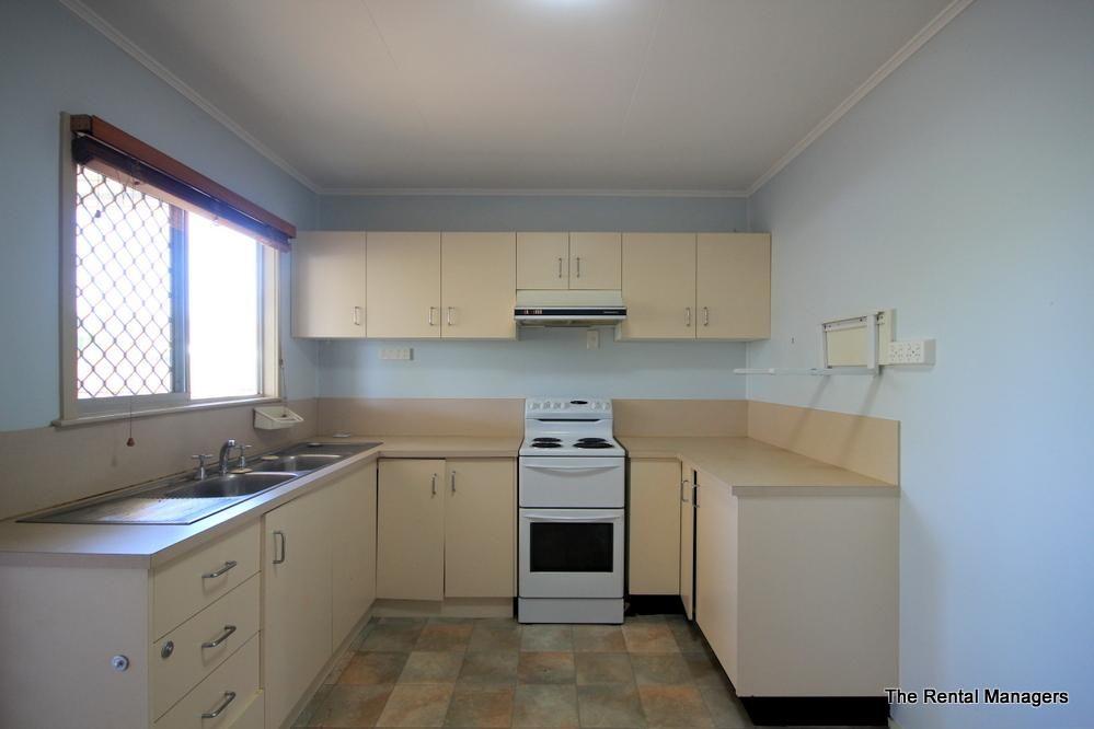 35 Clancy Street, Kirwan QLD 4817, Image 2