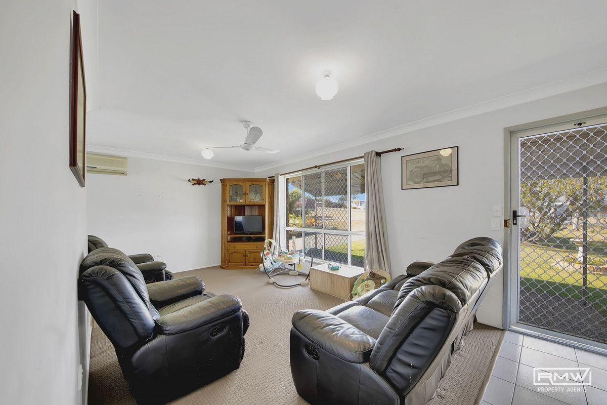 19 Pelican Street, Emu Park QLD 4710, Image 2