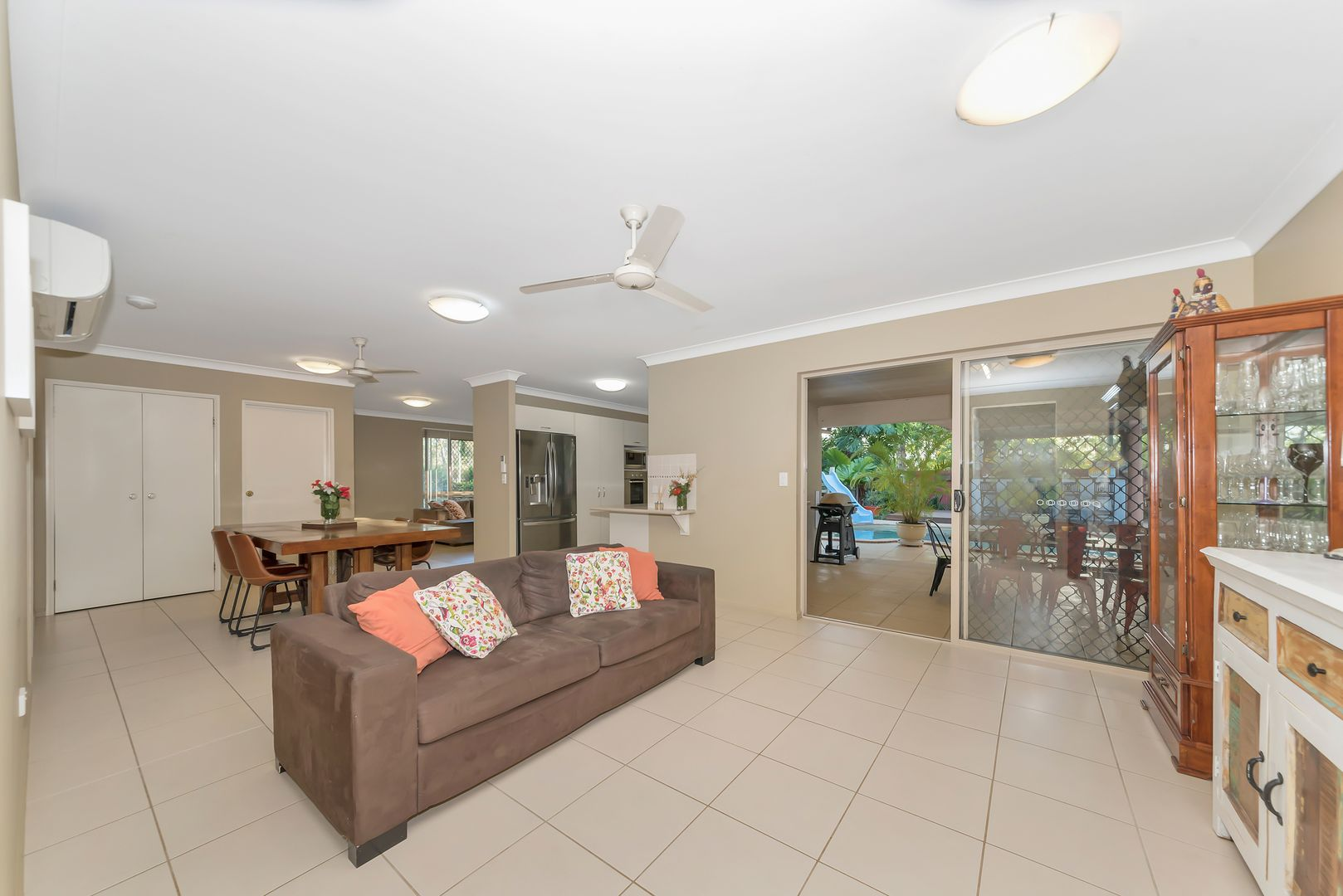 60 Blue Mountain Drive, Bluewater Park QLD 4818, Image 2