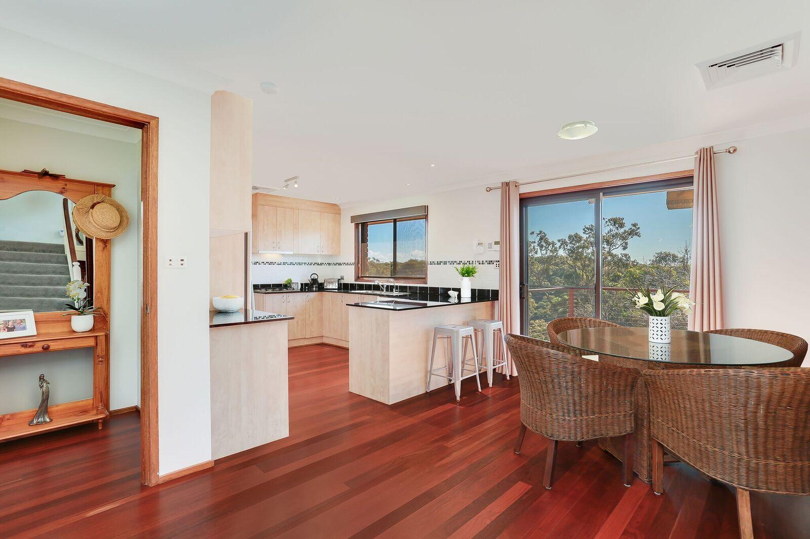 5 Barnes Crescent, Menai NSW 2234, Image 2