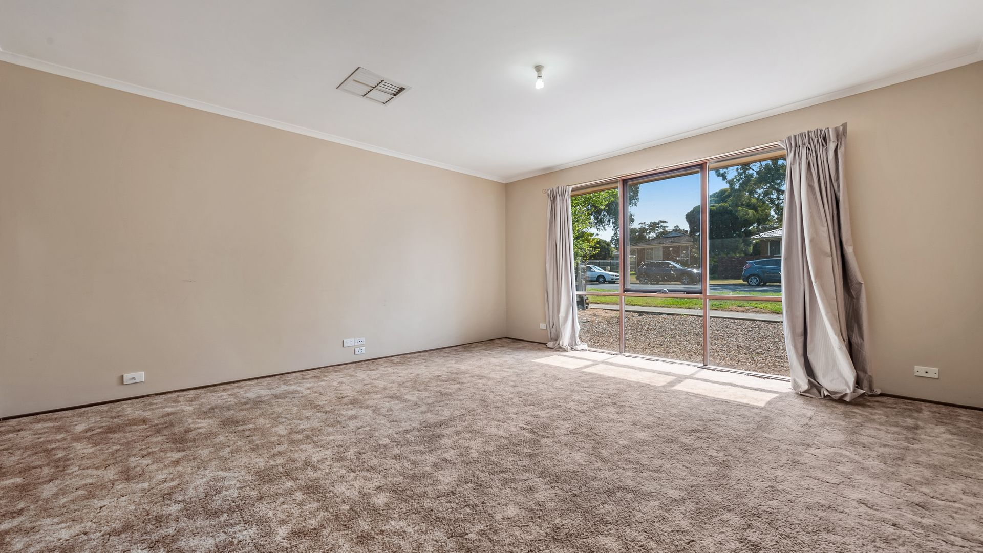 127 Charter Road West, Sunbury VIC 3429, Image 1