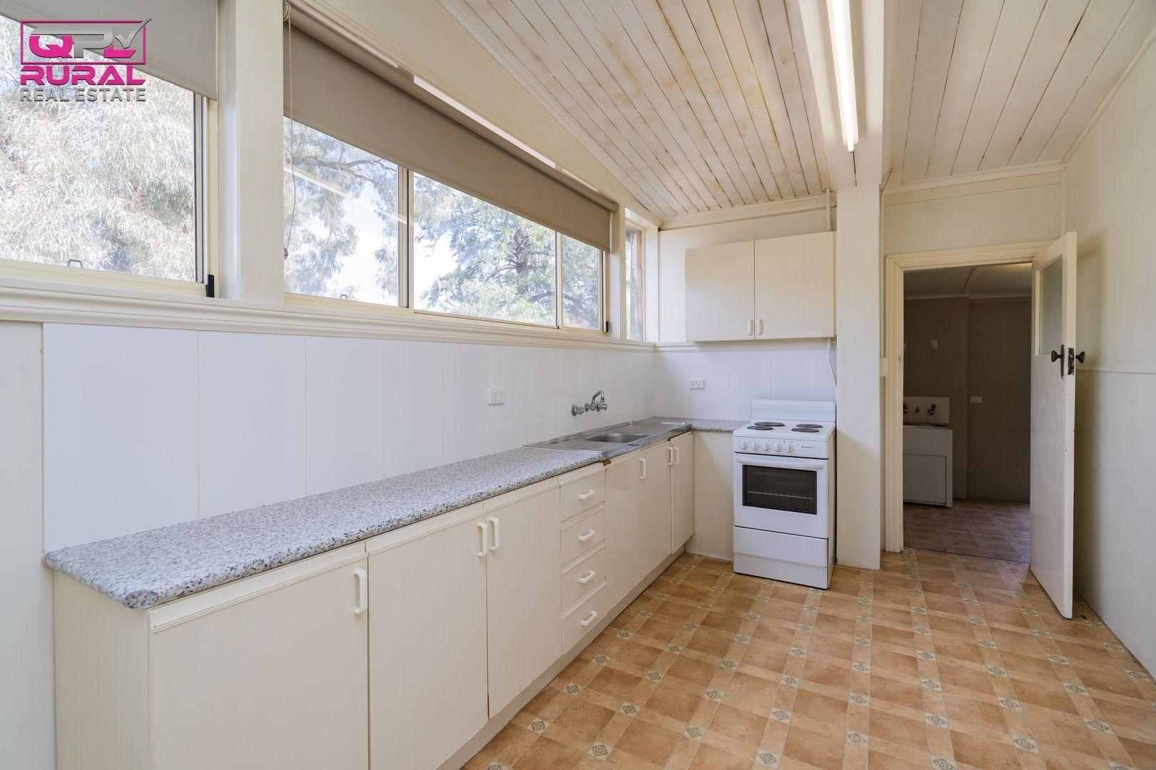 44 & 46B Charles Street, Narrandera NSW 2700, Image 2