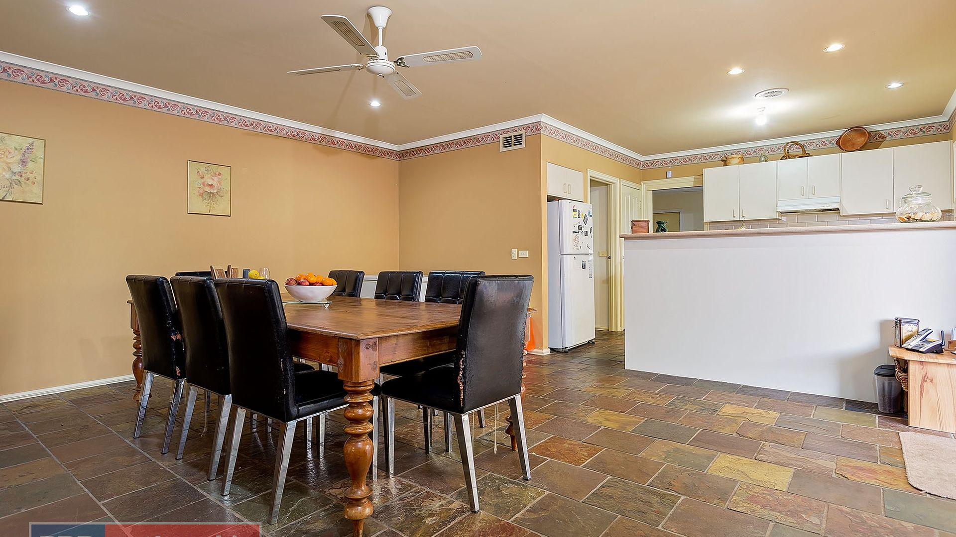 8 Lonsdale Circuit, Hoppers Crossing VIC 3029, Image 2