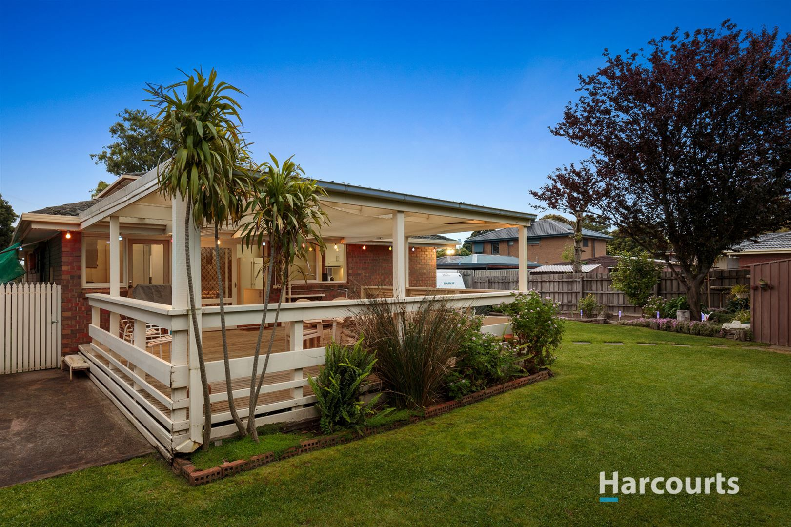 19 Roycroft Avenue, Wantirna South VIC 3152, Image 2