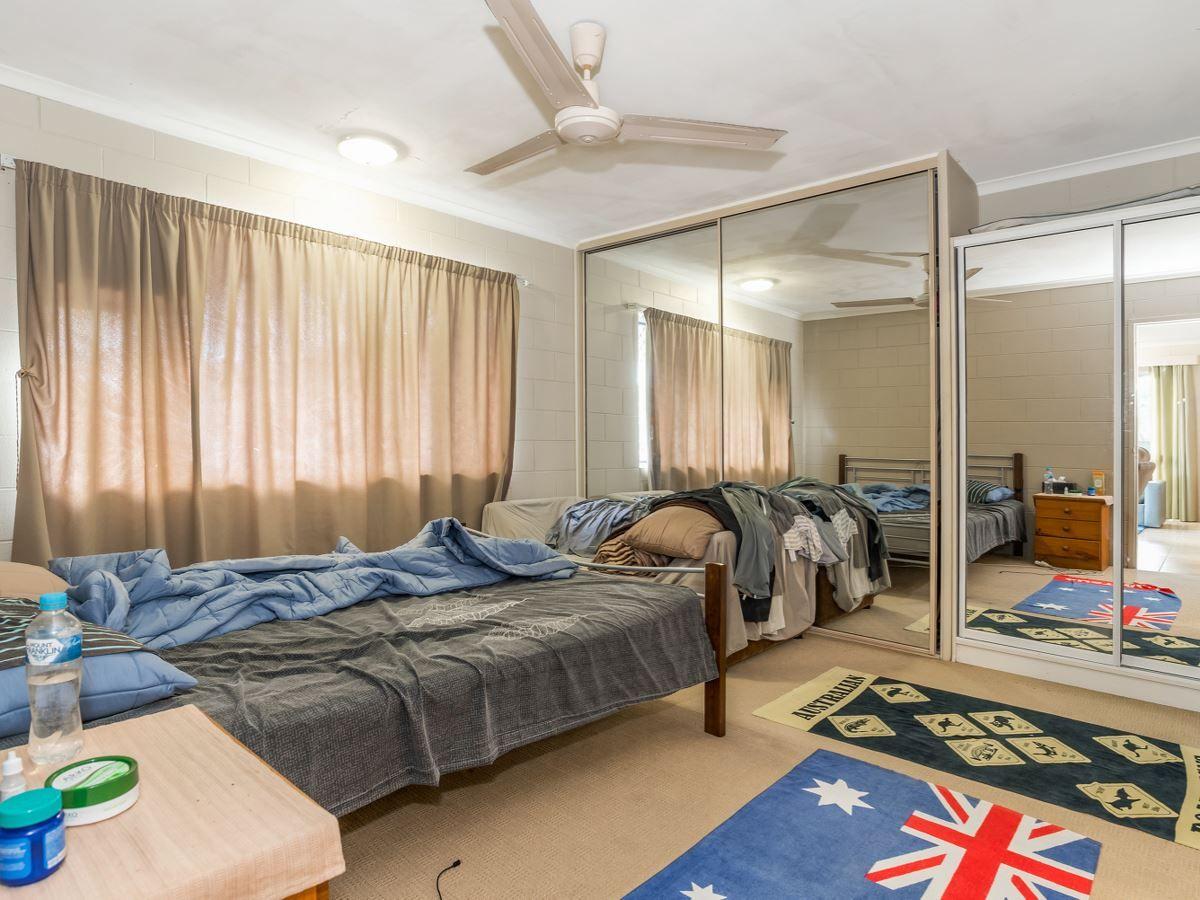 8/101 Mann Street, Westcourt QLD 4870, Image 2