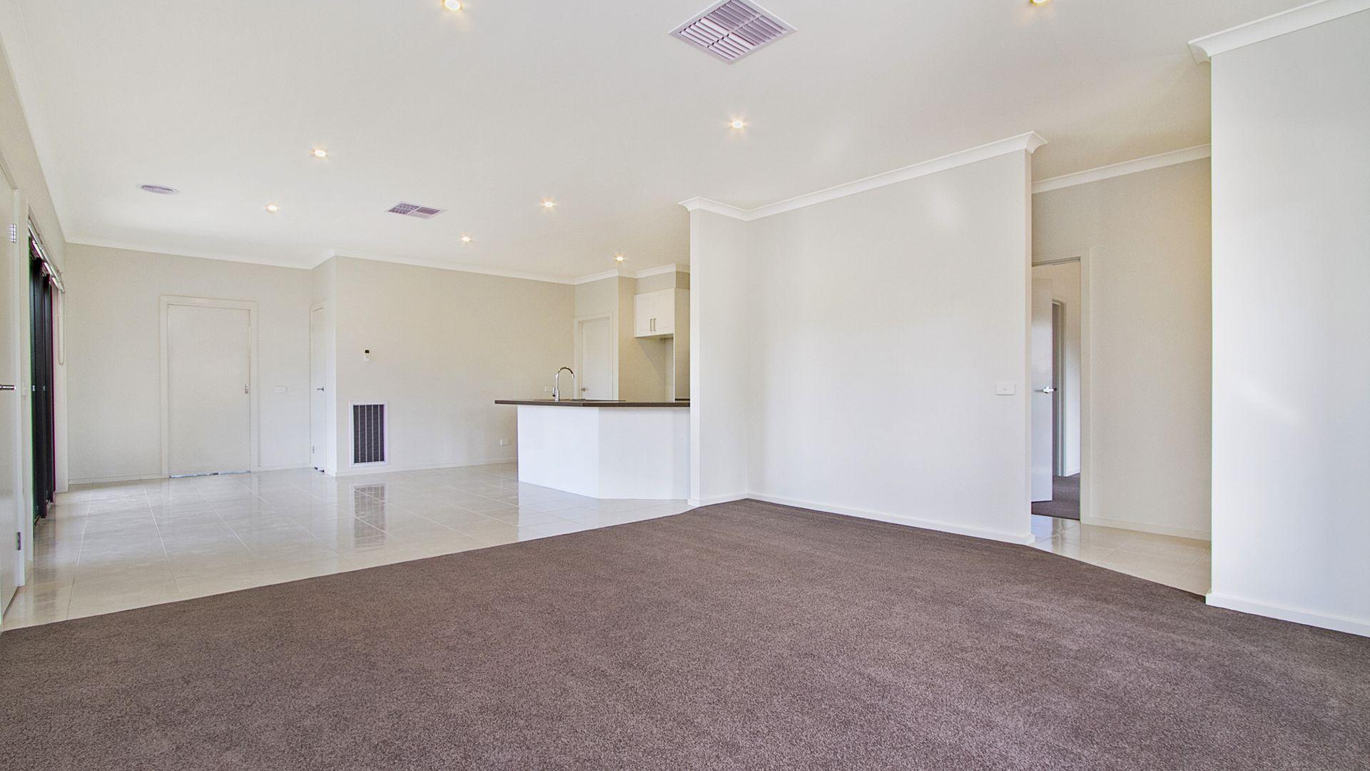 21 Muriel Street, Kangaroo Flat VIC 3555, Image 2